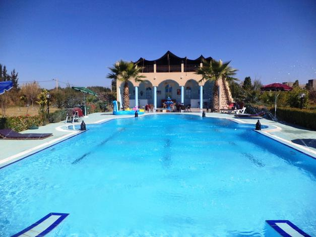 Une nuit pour  deux + 1 enfant -12 ans en chambre double en BB au Ryad Qodwa Marrakech seulement à 450 dhs !!