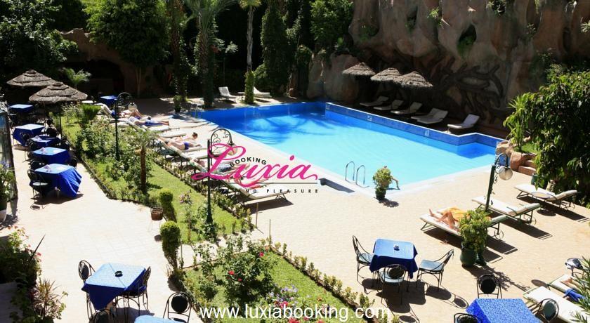 Une nuit pour 2 adultes + 2 enfants (-12ans) avec Pdj + Hammam à Hotel Imperial Holiday & Spa 4* seulement à 449 dh!!!