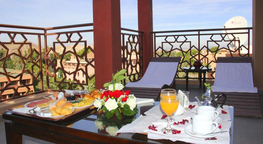 Une nuit pour 2 adultes + 2 enfants (-12 ans) en Chambre familiale avec Pdj à Hotel Imperial Plaza Marrakech seulement à 449 Dh!