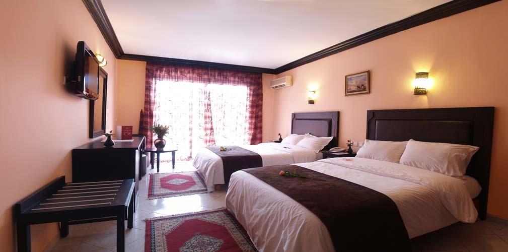 Une nuit pour 2 adultes + 2 enfants (-12ans) dans une chambre double en DP  à Hotel Imperial Holiday seulement à 599 dh!