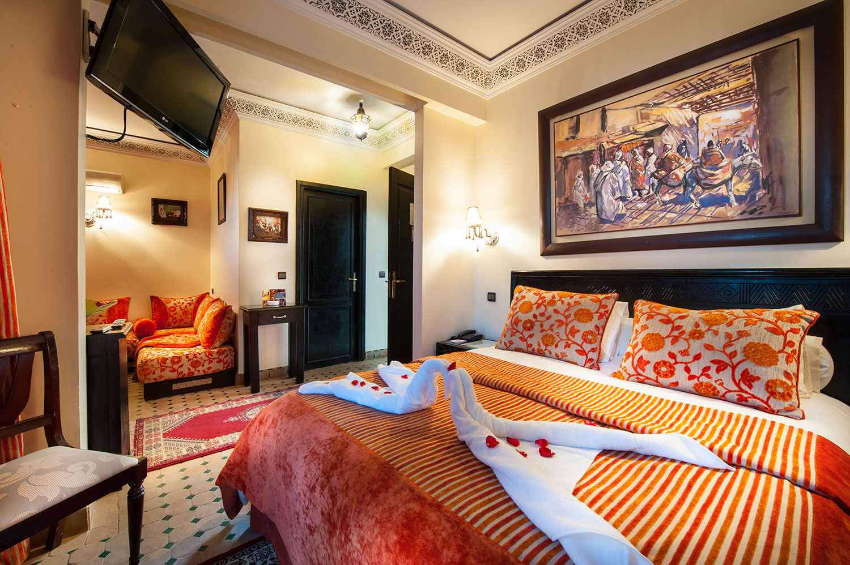 Une nuit pour 2 adultes avec Pdj dans une chambre double à Hotel Le Caspien Marrakech seulement à 398 dh!!!