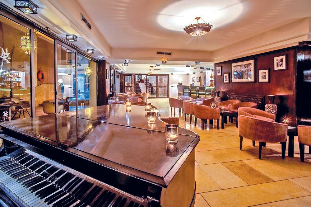 Hôtel Design 4* à Marrakech pour une nuit classe en suite junior: 2 adultes+2 enfants -12 ans au Dellarosa Suites & Spa à 699 DH