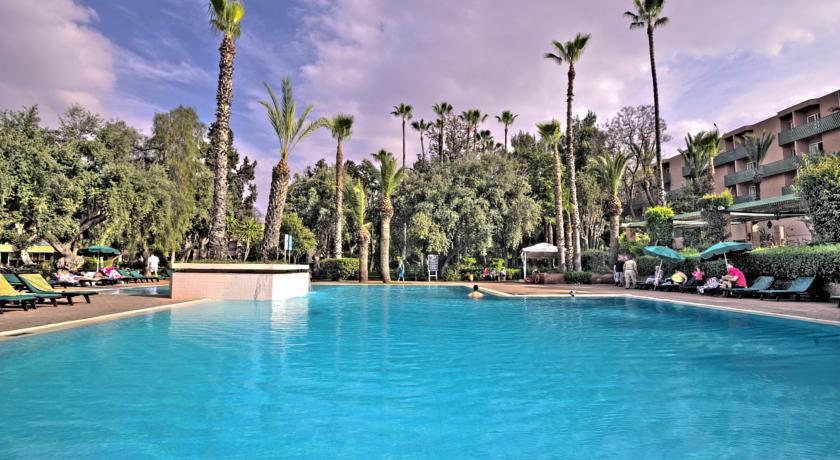 Profitez d une nuit de rêve pour 2 adultes + 1enfant (-12ans) en BB à Hotel Golden Tulip Farah Marrakech seulement à 549dh!!!