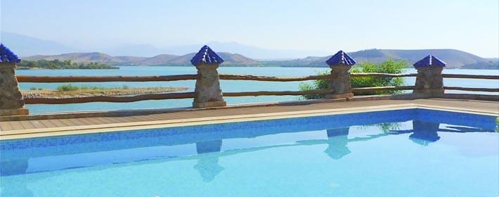 Une nuit pour 2 adultes dans une chambre double en DP  à La Villa Du Lac  Lalla Takerkoust seulement 899dh!!!