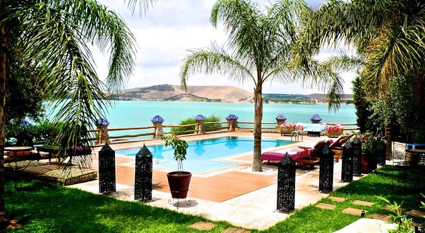 Une nuit pour 2 adultes dans une chambre double avec Pdj à La Villa Du Lac Lalla Takerkoust seulement à 599 dh!!!