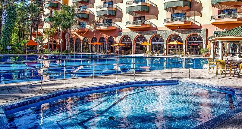 Vivez une nuit  de luxe à Royal Mirage De luxe pour 2 adultes +1 enfants(-12ans) en BB seulement à 800 dh!!!!