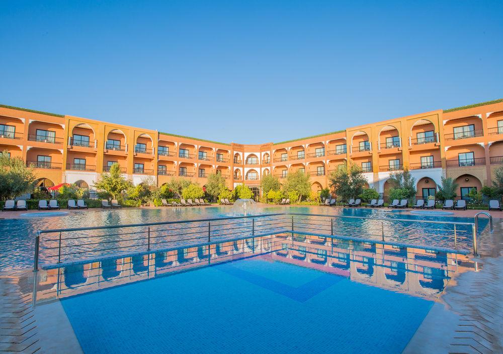 Offre Hotel Riad Ennakhil : Une nuit pour 2 adultes + 2enfants (-6ans) en DP à seulement 999dhs !!!